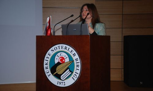 Kamu Bilişim Projelerini Tanıtıyor/Değerlendiriyor: 'e-Dönüşüm Sürecinde Noterlik Hizmetleri ve Türkiye Noterler Birliğinde Gelinen Nokta' toplantısı yapıldı.