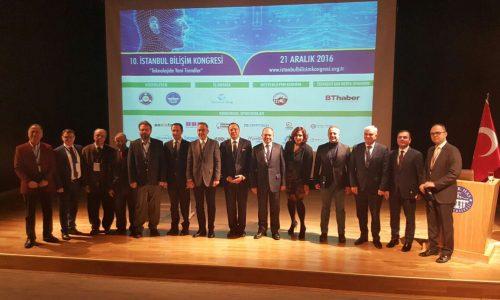 """10. İstanbul Bilişim Kongresi'nde """"Teknolojide Yeni Trendler"""" konuşuldu"""