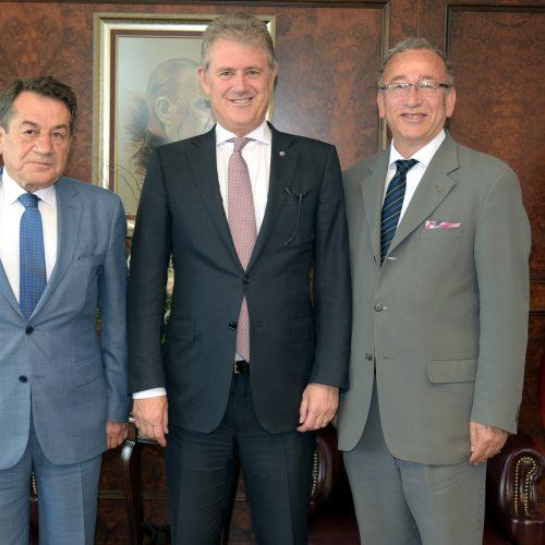 İzmir Ticaret Odası Başkanı Mahmut Özgener'i  Makamında Ziyaret Ettik