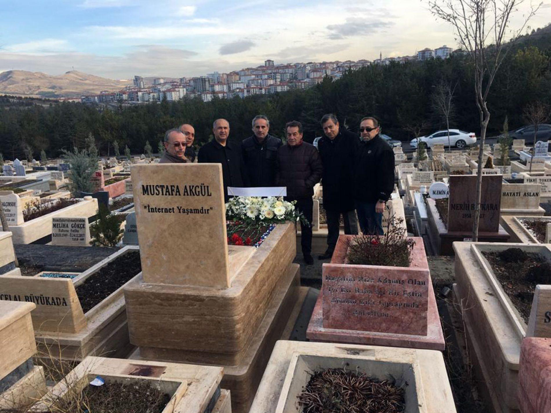 Dr. Mustafa AKGÜL, Ölümünün 2. Yıl Dönümünde Mezarının Başında Anıldı