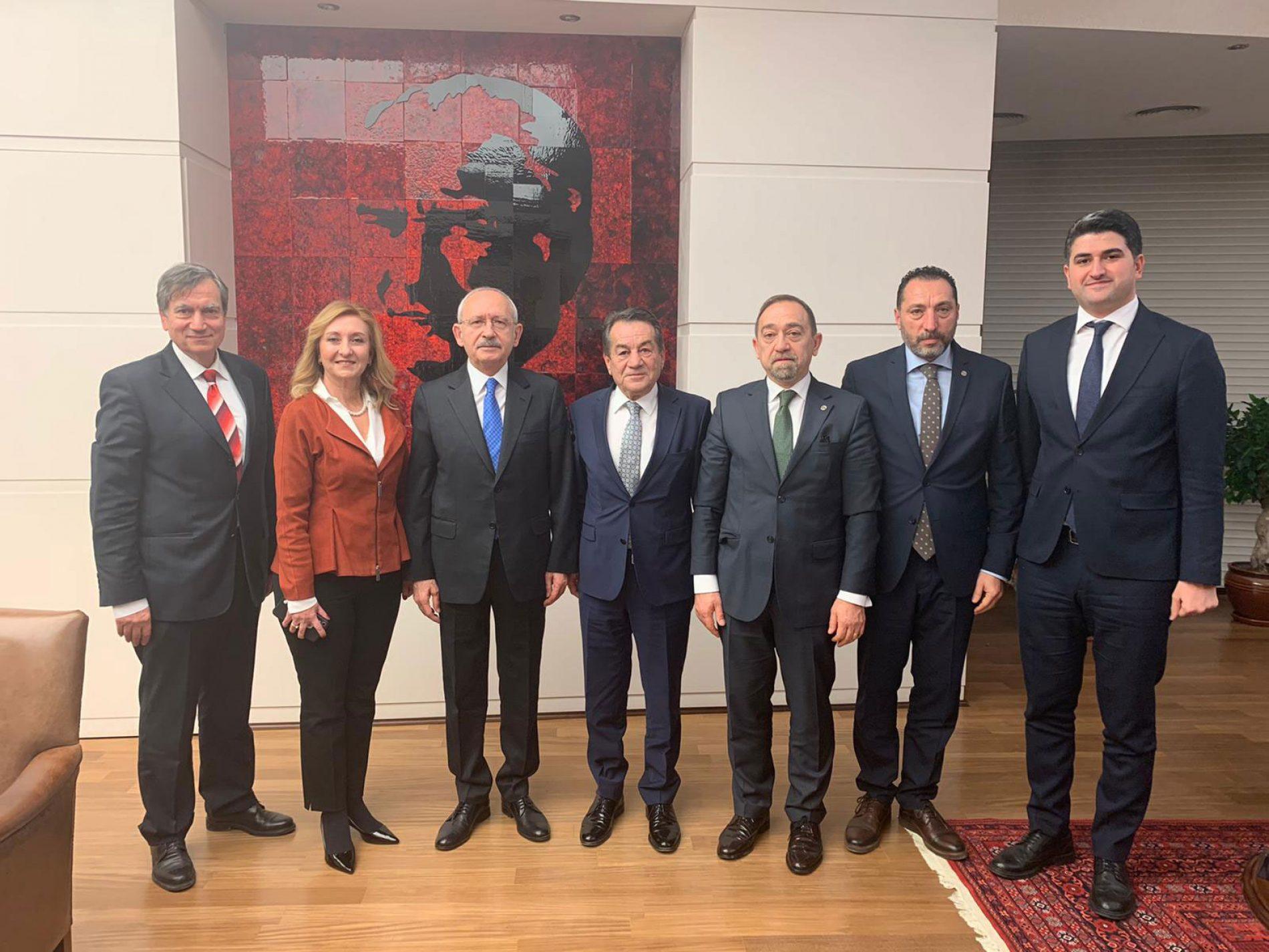 TBD Genel Başkanı Rahmi AKTEPE ve Ekibi, Cumhuriyet Halk Partisi Genel Başkanı Kemal Kılıçdaroğlu'nu makamında ziyaret etti