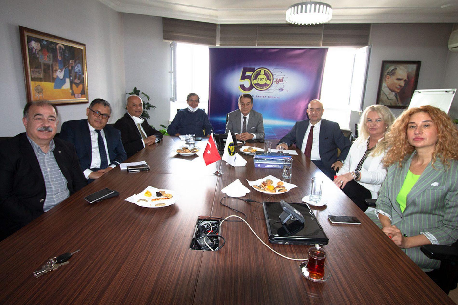 Evrensel Değerler Ve Dostluk Platformu (EDDP) TBD Genel Başkanı Sn. Rahmi AKTEPE ve TBD İcra Kurulu Başkanı Sn. Dr. Aydın KOLAT'ı Ziyaret Etti